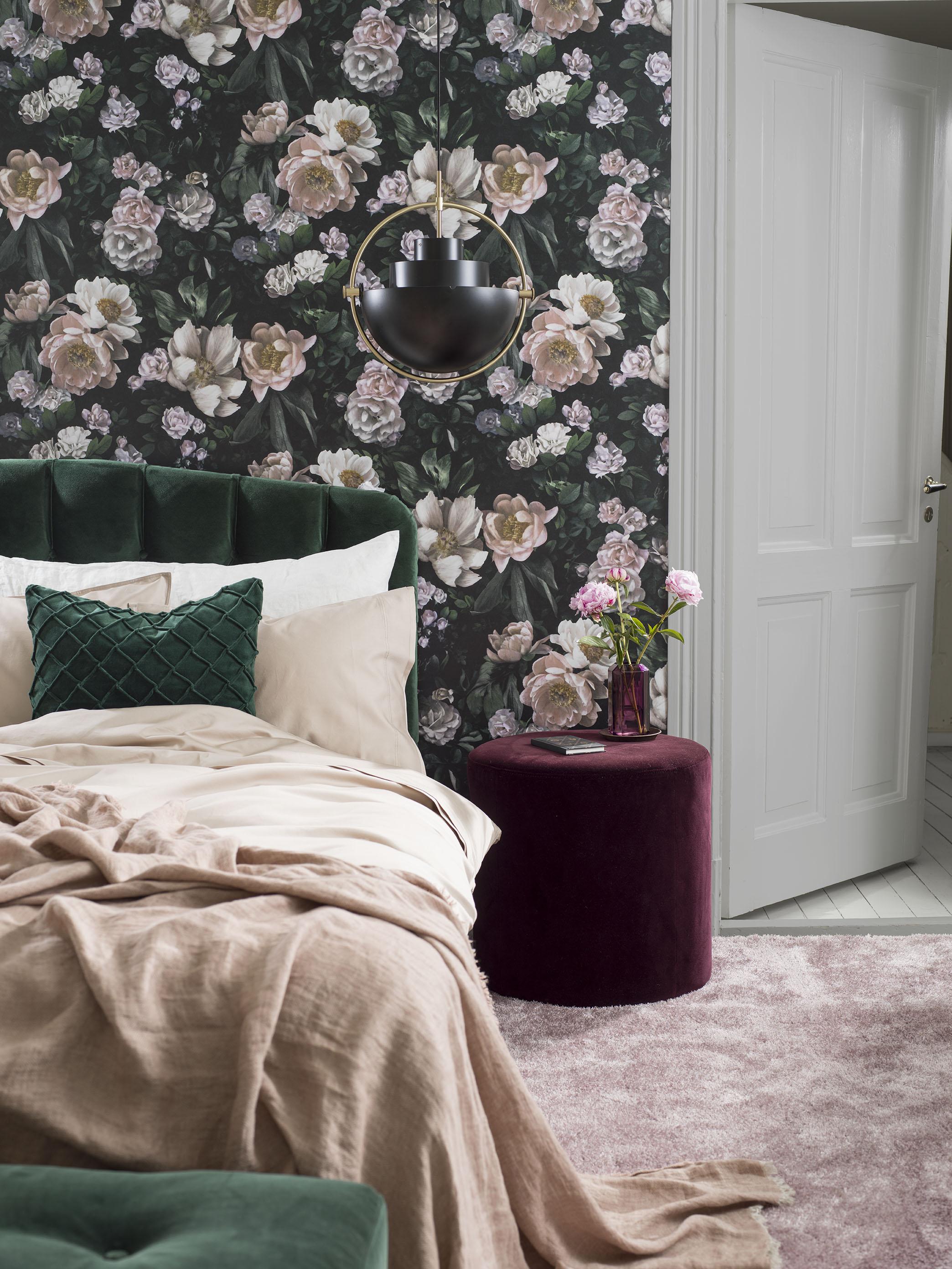 строгий как скомбинировать обои в спальне фото грибов
